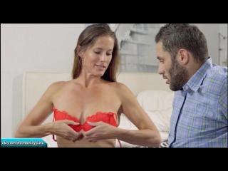Мамочка обнаружила стояк у сына и решила обучить его сексу | Sofie Marie incest mom son incezt milf инцест мама сын табу милф