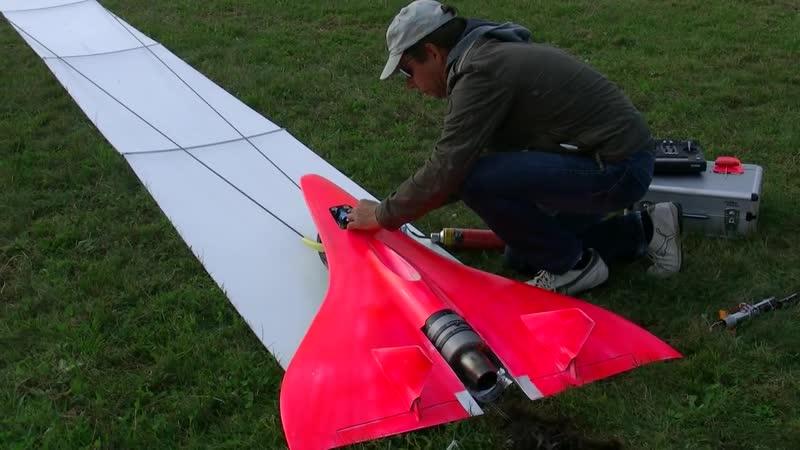 FASTEST RC TURBINE MODEL JET IN ACTION 727KMH 451MPH FLIGHT TRAINING WORLD RECOR