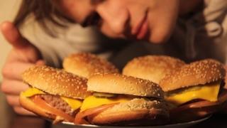 КАК НАКРЫТЬ ПОЛЯНУ ДЛЯ КЕНТОВ. Бургеры, хот-доги, картошечка.