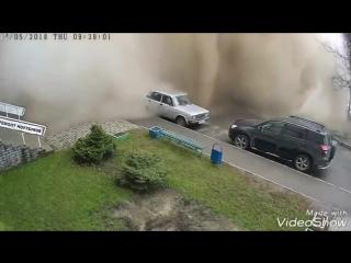 Момент прорыва водопровода в Барнауле