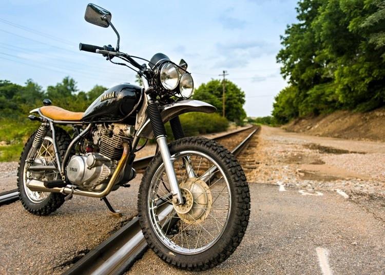 Trident Cycles: скрэмблер Yamaha SR250
