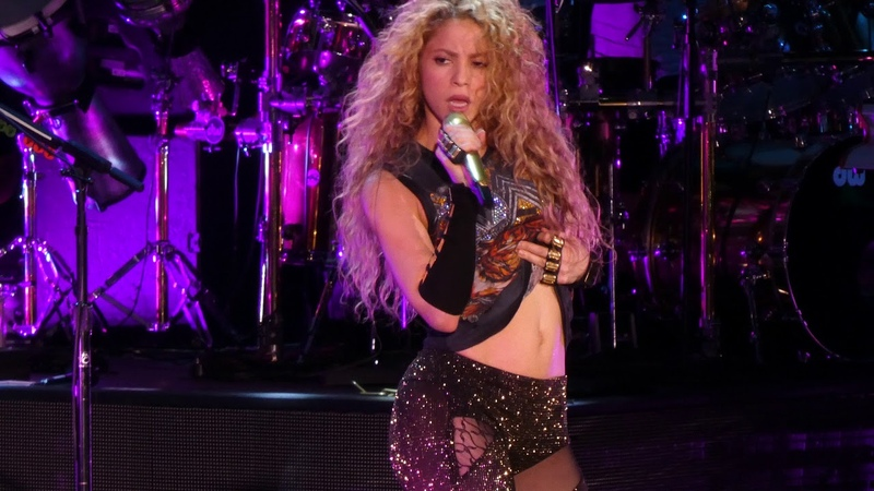 Shakira live @ Hamburg - Perro fiel - EL DORADO World Tour - Barclaycard Arena 2018
