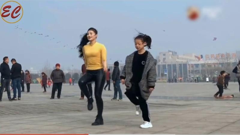 Beautiful Chinese Street dance, Beautiful foot steps nice move