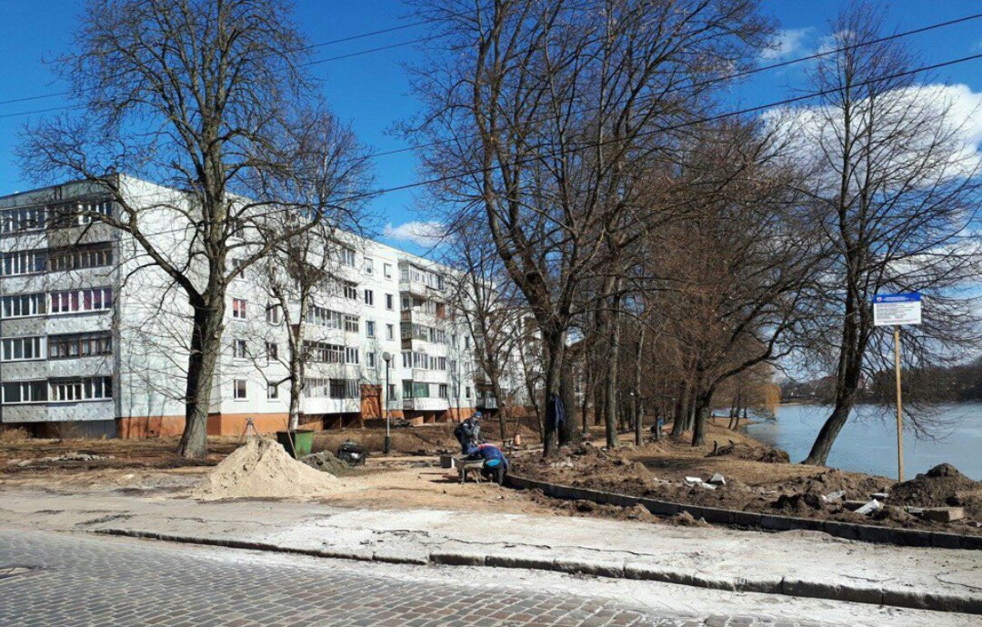 В Советске возобновили работы по благоустройству городского озера за 8 млн. руб