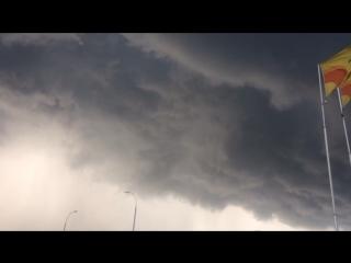 Торнадо над городом⛈⛈⛈