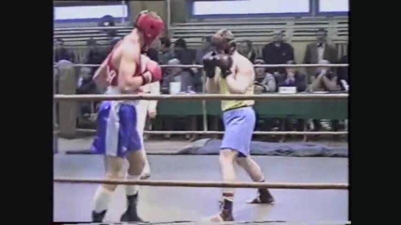 Чемпионат Ленинграда 1994 года: Алексей Осокин (УОР№2) vs. Даниэль Шумский (ДИНАМО)