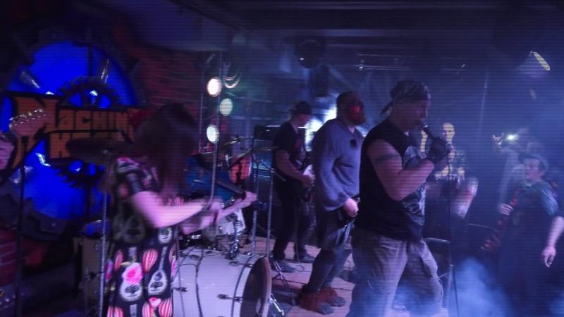 Группа Кадры (cover гр. Король и Шут) рок-клуб Machine Head - Ром.