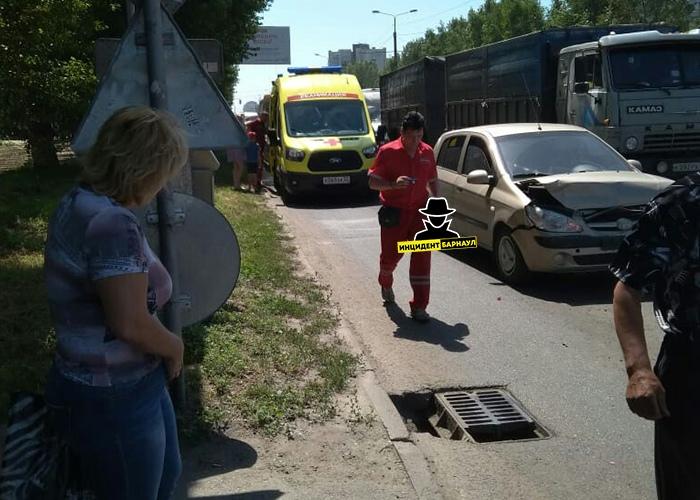ДТП в Барнауле: пострадала женщина