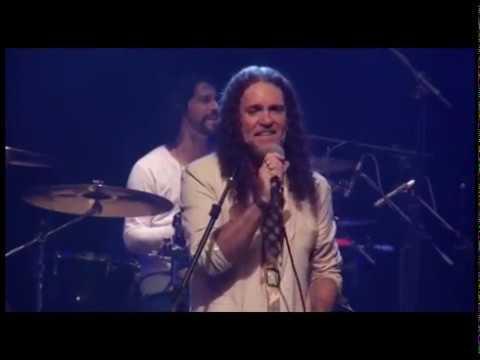 BANDA DE PAU E CORDA - FLOR DÁGUA (Ao vivo em BH)