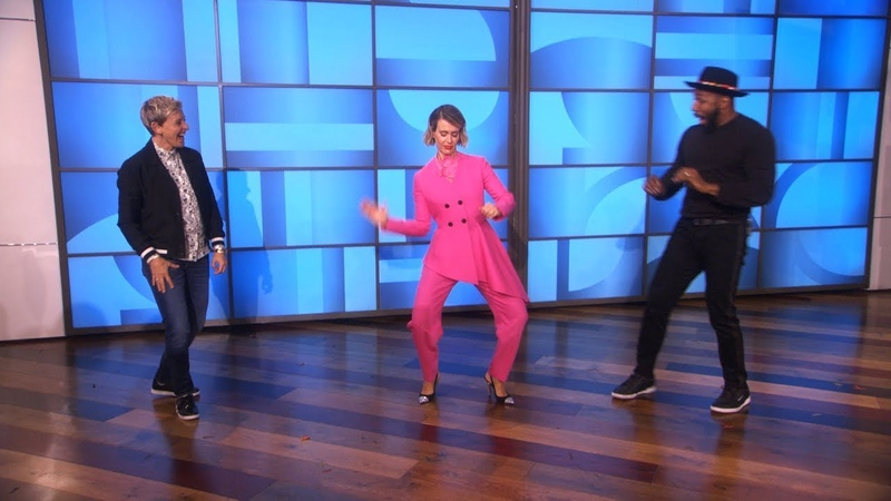 Exclusive Sarah Paulson, Ellen, and tWitch Dance During a Commercial Break