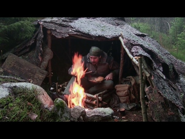 森の中で一夜ソロ ドキュメンタリー 野生で生き残る 自然、沈黙、平和