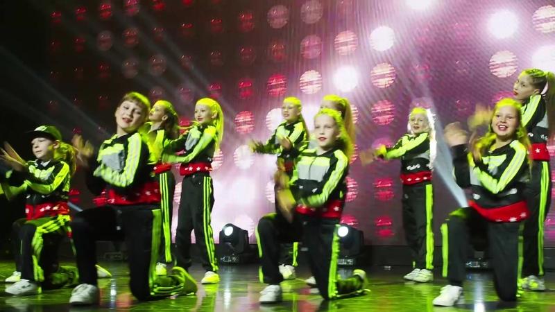 Kids Team Преподаватель Юлия Коробейникова школа танцев Evolvers Красноярск