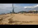 Наезд танка на человека во время фестиваля в Петербурге попал на видео