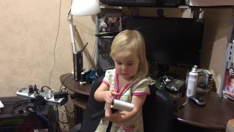Когда дочь- блогер, но камера папина