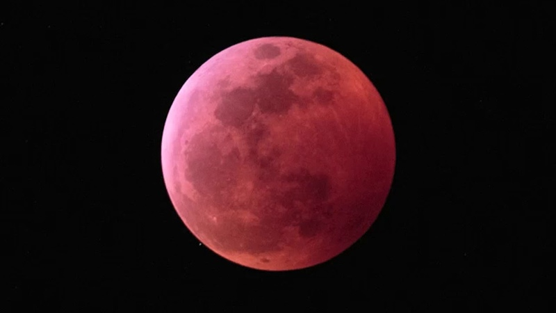 See the Super Wolf Blood Moon in This Amazing Eclipse Time Lapse