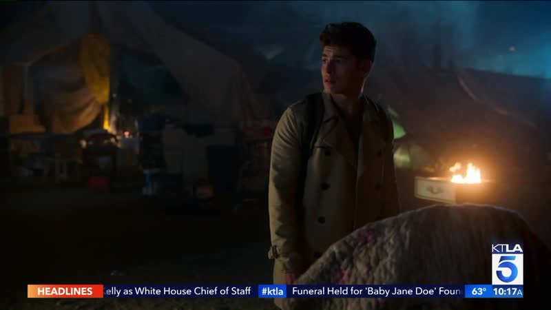 Gregg Sulkin on the Visual Effects in Marvel's Runaways