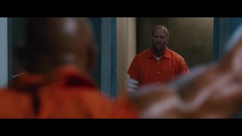 ФОРСАЖ 8 - Побег из тюрьмы Дуэйн Джонсон против Джейсона Стетхема