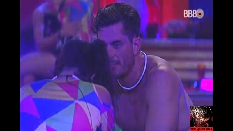 Festa Frevo - 16-02-2017 - Parte 41 - Manoel ensina Marcos a dançar para Emilly