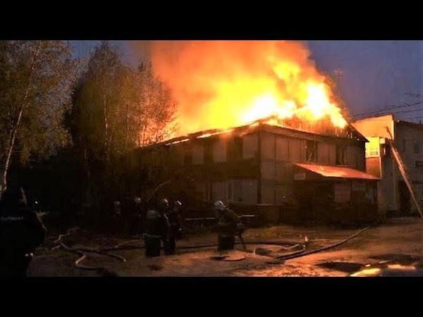 В Нефтеюганске тушили пожар в одном и том же микрорайоне