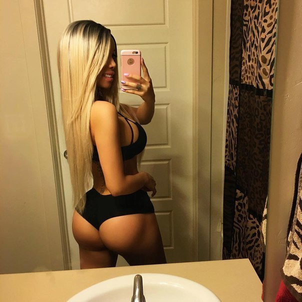 Women in thongs pictures nude