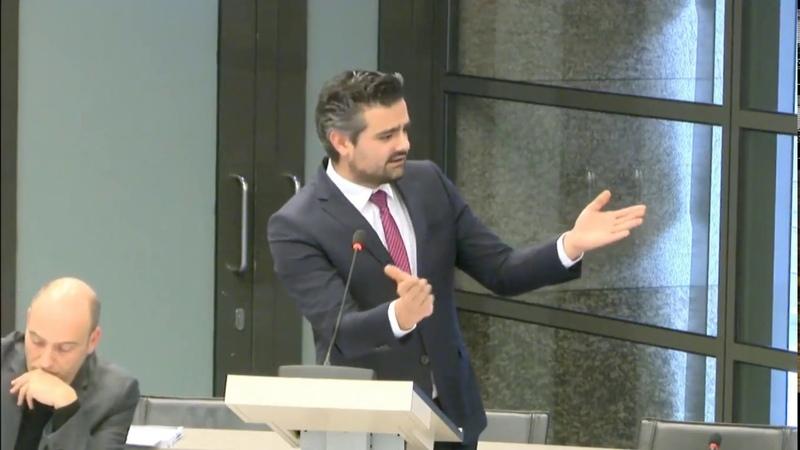 Machiel de Graaf (PVV) zet Tunahan Kuzu (Denk) klem