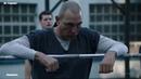 Тюремная драка в душевой Оливер избивает заключенных Стрела 7 сезон 1 серия Lostfilm