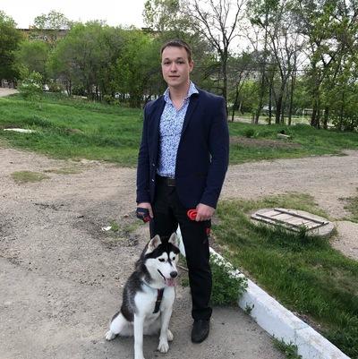 Максим Слесаренко