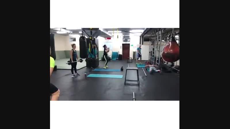 Функциональная силовая тренировка 🏋🏻♀️ с @ kiseleva_fitness Приходите в нам на тренировки 💪 мы готовимся к самой веселой🔥🎄ночи