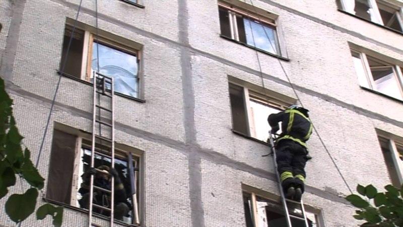 28-летний спасатель МЧС Клим Мартьянов в свободное время тренирует отряд добровольцев