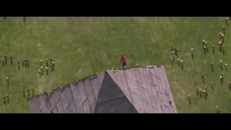 Человек паук спасает друзей
