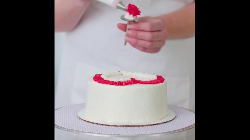 В Баскин Роббинс можно заказать торты мороженое ручной работы