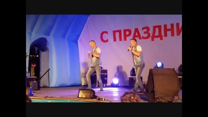 Шоу дуэт ОБА DVA Александр Тюхов и Антон Федотов Розы алые Шоу дуэт ОБА ДВА
