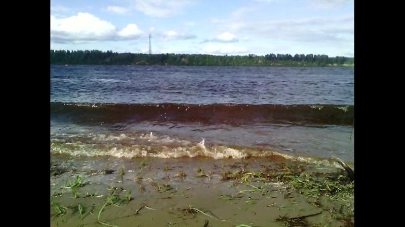 Сильные волны Северной двины, май
