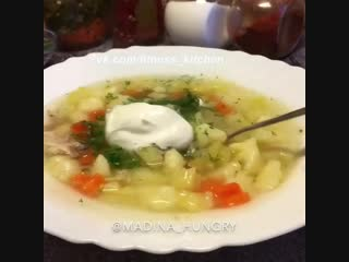 Куриный суп с картофельными клецками.