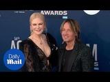 Nicole Kidman and Keith Urban get close at the 2019 ACM Awards