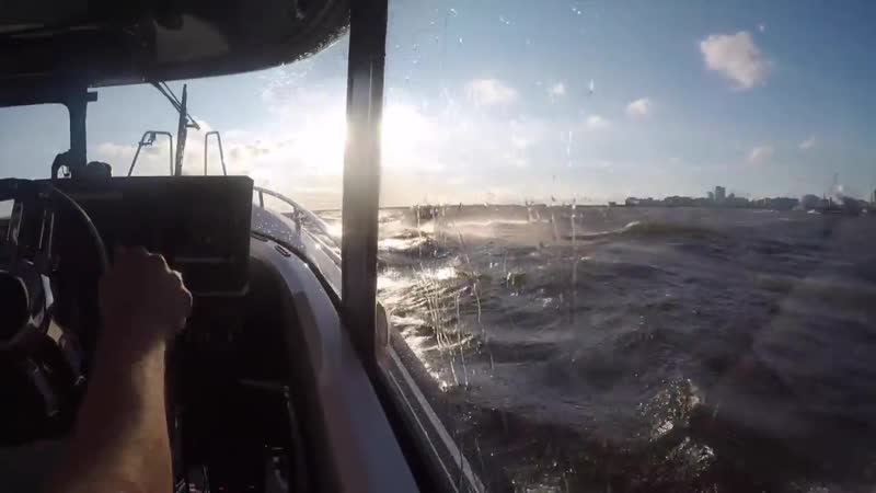 Катер XO 270 RS Cabin OB в штормовую погоду! (1)