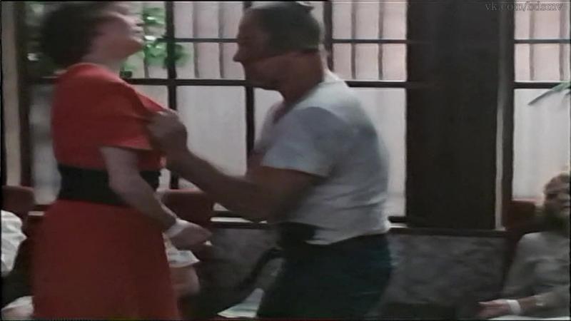 сексуальное насилие(bdsm,бдсм, бондаж, изнасилование, rape) из фильма: Hot Blood - 1989-1990 год, Сильвия Кристель, Вивиан Вайвз
