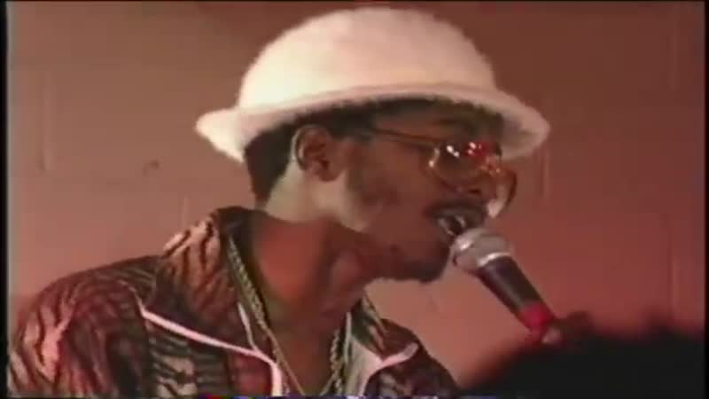 G.B.T.V. CultureShare ARCHIVES 1989 PRINCE COLIN SCORCHER Riding di riddim like bicycle (HD)