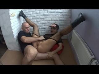Юля дает трахать себя в очко / жесткий трах / оргазм / шлюха / жена / 720p / cokold / MILF / BIG tits / домаха / ебля