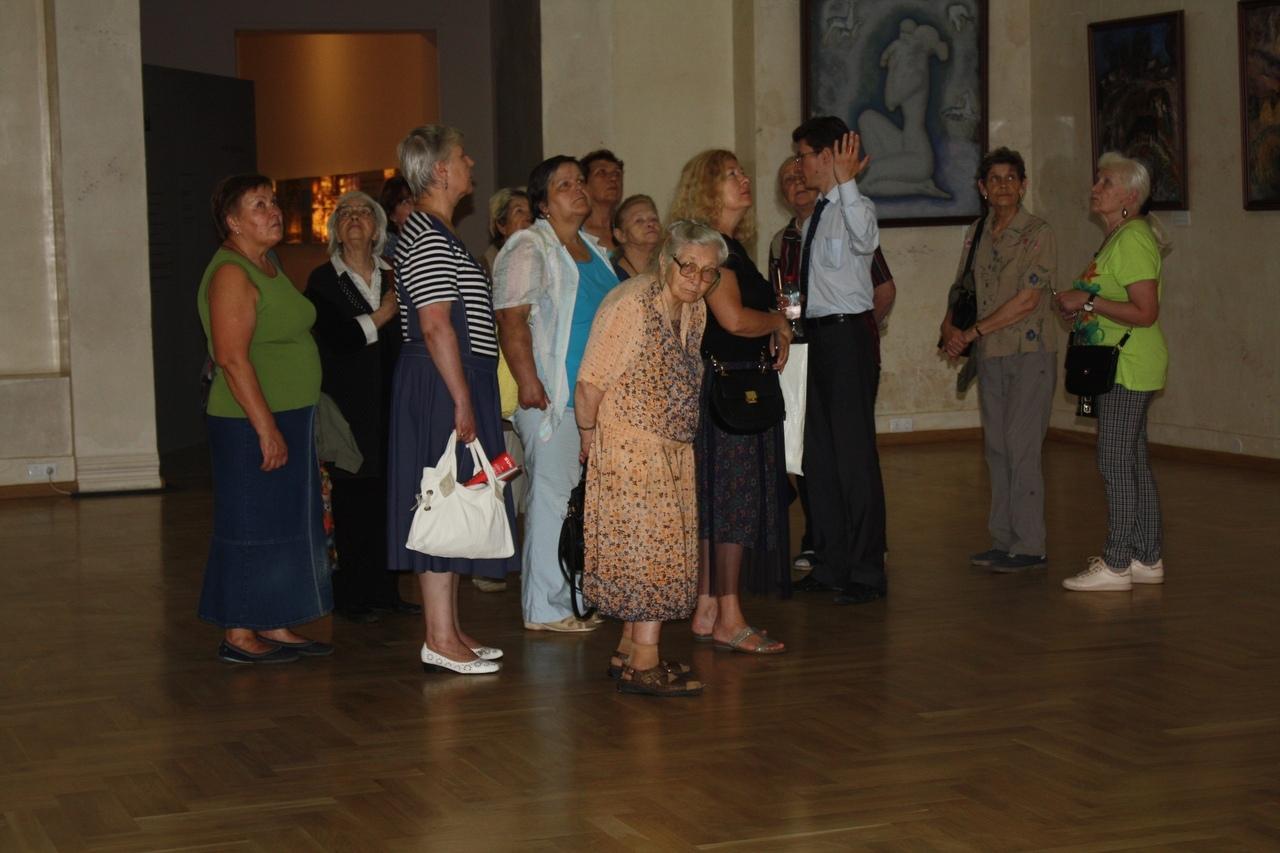 Посетители ТЦСО «Ховрино» посетили Музей современной истории России