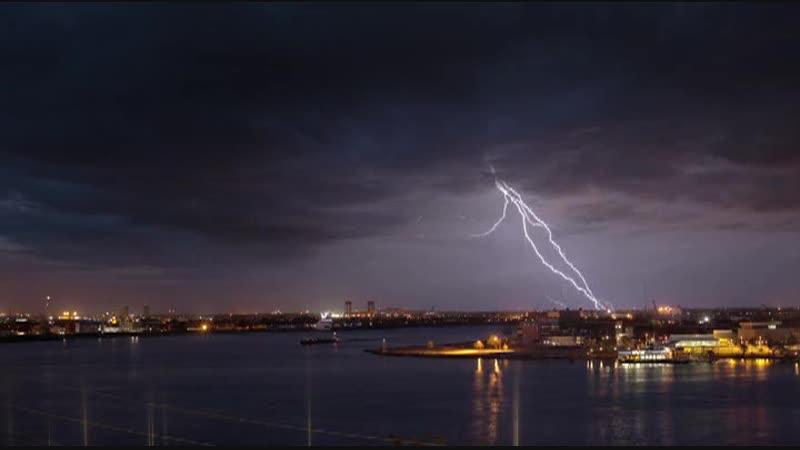 Молнии бьют из Земли в небо показали высокоскоростные съёмки