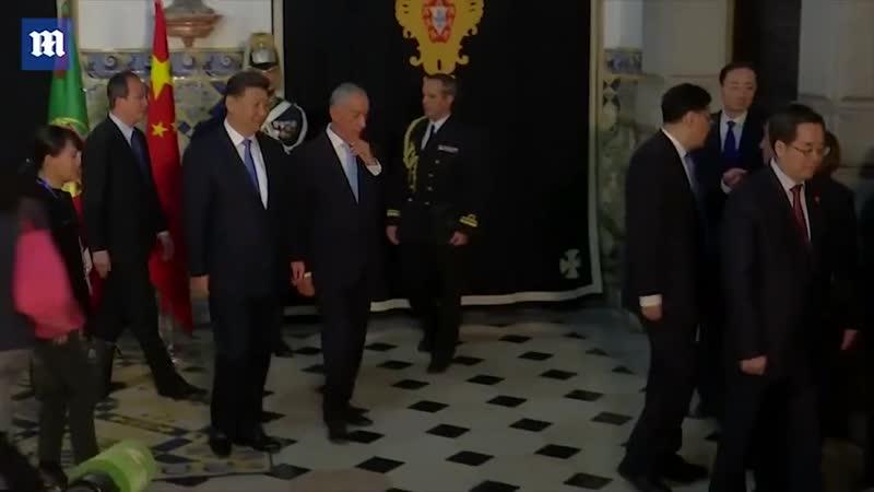 Президент Португалии пустил слюну во время встречи с коллегой из Китая. - 100 повара-турка вспомнил