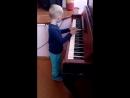 Впервые играл)Маэстро,музыку!))
