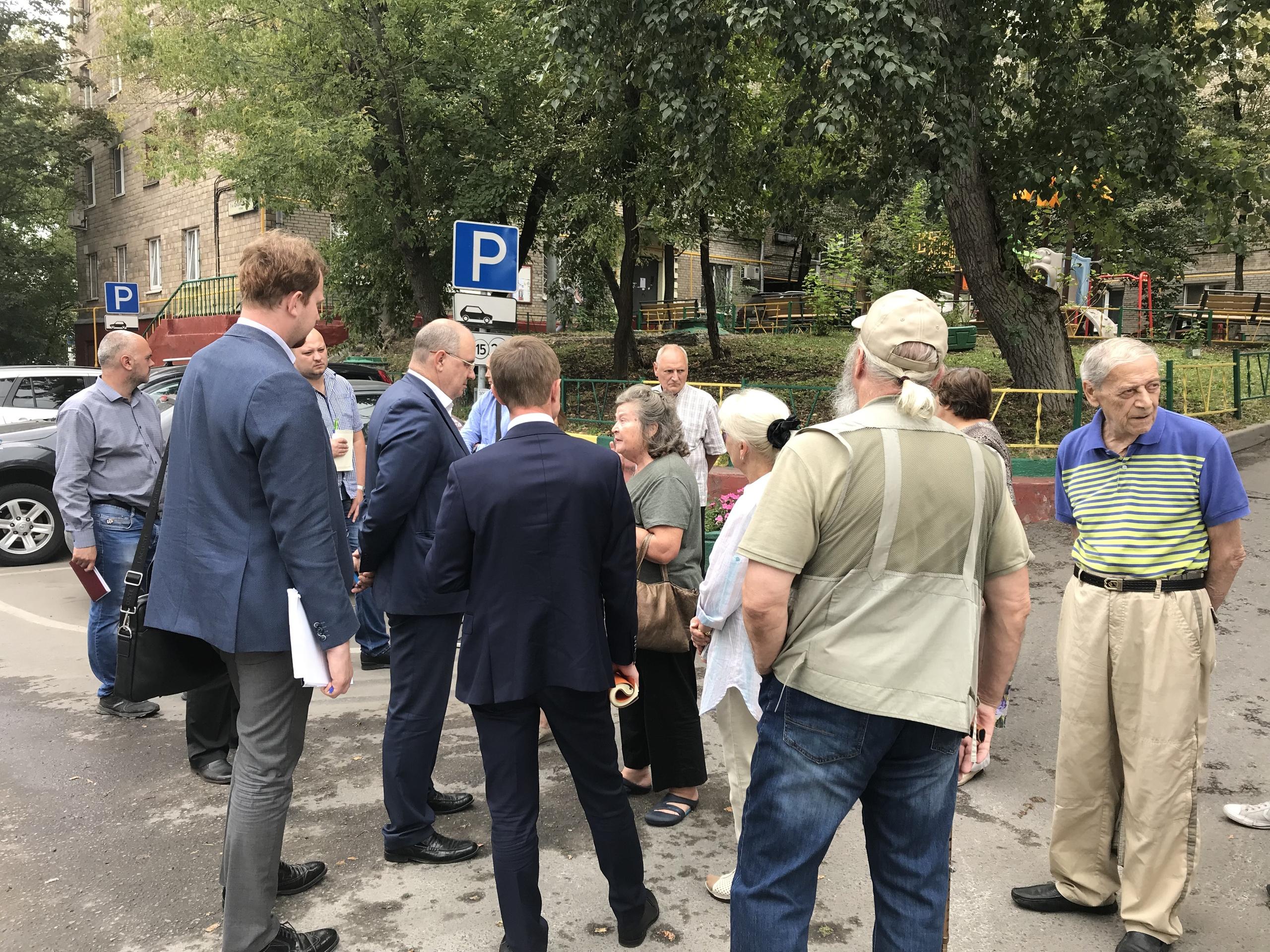 Сергей Носков провел встречу с жителями района. Фото: официальная страница Сергея Носкова в социальный сетях