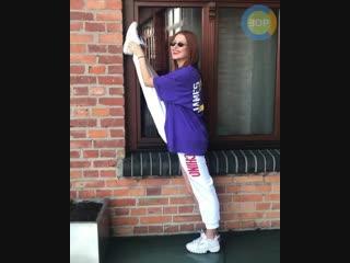 Как быстро сесть на шпагат (How to do the splits in one day)