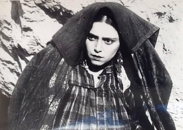 Мама Ра - Рахиль Мессерер, мама Майи Плисецкой Эту удивительную женщину родственники называли Ра как египетского бога Солнца. Она действительно была для них солнышком, которое излучало мудрость