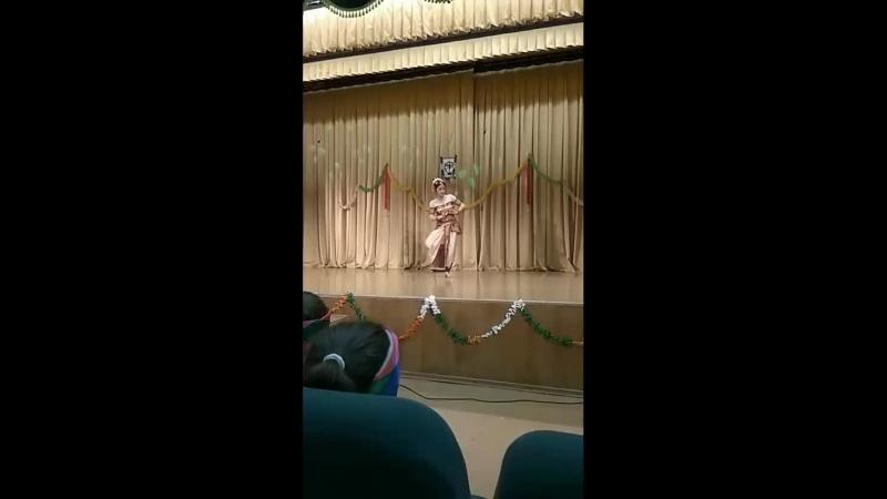 индийский танец про Кришну