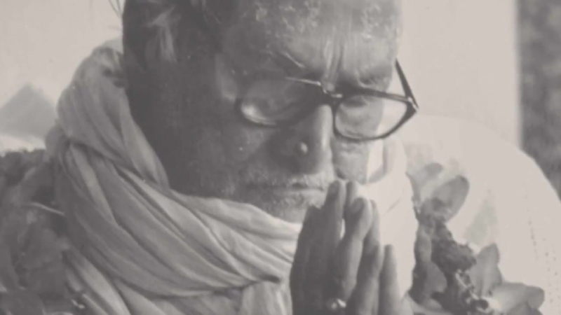 Shrila_B.Rakshak_Shridhar_Gosvami_Maharadzh._Smirenie.