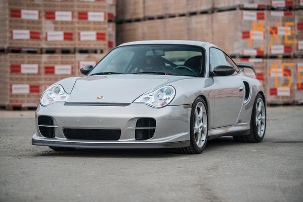 Обзор:Porsche 911 GT2 Clubsport (996) `2004 Двигатель: 3.6 B6 Twin-TurbochargerМощность: 483 л.с. при 5 700 об/минКрутящий момент: 640 Нм при 3 500 об/минТрансмиссия: Механика 6 ступ. Макс.