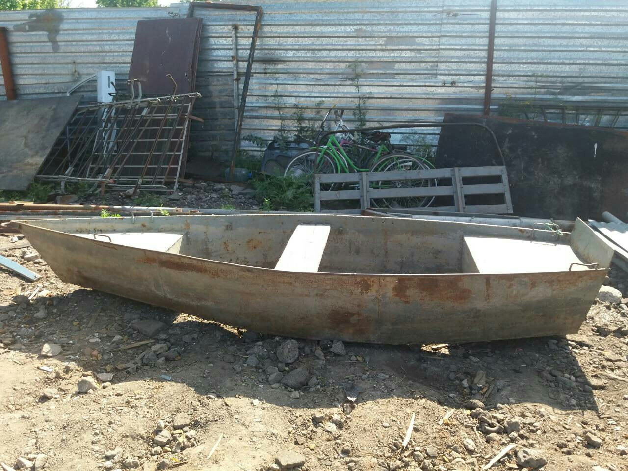 В Коломне полицейские раскрыли кражу двух металлических лодок
